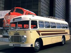 Ikarus 311 '1963–72 Converted Horse Trailer, Nissan Diesel, Transport Museum, Kubota, Horse Trailers, Busses, Commercial Vehicle, Sidecar, Old Cars