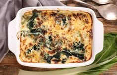 Recipe: Silverbeet Gratin - thisNZlife Beet Recipes, Quiche Recipes, Easy Healthy Recipes, Vegetarian Dinners, Vegetarian Recipes, Baked Vegetables, Veggies, Taste Made, Health Dinner