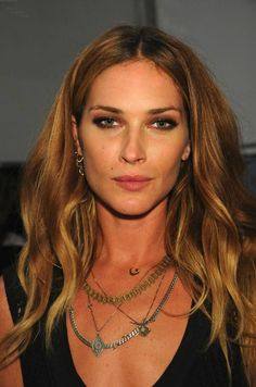 Erin Wasson.  Everything about her is perfect but let's just talk about the layers of necklaces here. Perfect.