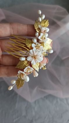 Bridal blush floral hair comb with gold leaves, Gold hair comb, Delicate wedding headpiece with pale peach flowers, bridal flower comb Wedding Accessories For Bride, Gold Hair Accessories, Bridal Accessories, Bridal Headpieces, Bridal Hair, Floral Headpiece, Bijoux Diy, Floral Hair, Heart Jewelry