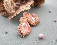 Beige pink gold Soutache earrings Swarovski Stud earrings Soutache jewelry beige pink Small soutache earrings Little earrings Pearl earrings Coral Earrings, Coral Jewelry, Small Earrings, Etsy Earrings, Shibori, Soutache Necklace, Earring Trends, Coral And Gold, Embroidery Jewelry