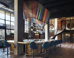 Bar at the Williamsburg Hotel in Brooklyn features a restored herringbone floor curving wood and exposed brick. Best Hotels In Brooklyn, Hotels In New York, Williamsburg Hotel, Diy Zimmer, 3d Home, Das Hotel, Hospitality Design, Cafe Restaurant, Luxury Restaurant