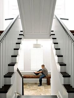 Una escalera que se levante para revelar un cuarto secreto   36 cosas que definitivamente necesitas en tu nueva casa