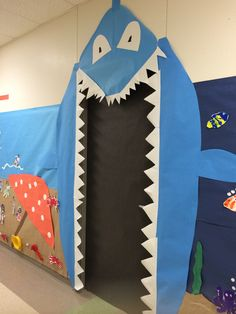 Super cute for primary grades! If I still taught kindergarten I'd do this for sure! Ocean theme- shark door