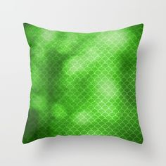 https://society6.com/product/green-flash-small-scallops-pattern-with-texture_pillow?curator=hereswendy