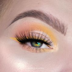 Soft pastels - - BROWS 1. @anastasiabeverlyhills Dipbrow in ash Brown - - EYES 1. @kyliecosmetics Calm after the storm palette 2.…