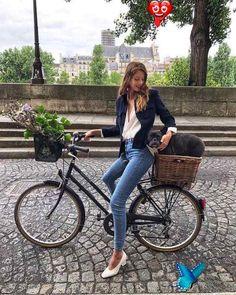 <br> Paris Chic, Parisian Chic Style, Parisian Summer, Dress Like A Parisian, French Summer, Chic Summer Style, Minimalist Fashion French, French Fashion, Cycle Chic