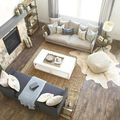 Unbelievable Love these modern farmhouse decor ideas for the living room. The post Love these modern farmhouse decor ideas for the living room…. appeared first on Derez Decor . Living Room Trends, Formal Living Rooms, Living Room Inspiration, Rugs In Living Room, Living Room Designs, Living Room Daybed, Cozy Living, Modern Farmhouse Living Room Decor, Living Room Furniture Layout