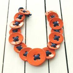 Collana Bottoni arancioni