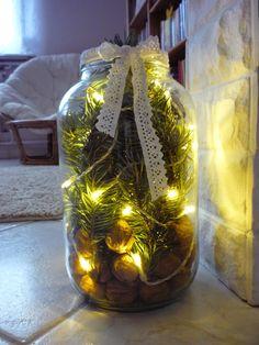 Házból otthon: Kreatív sarok Christmas Bulbs, Rustic, Holidays, Table Decorations, Holiday Decor, Home Decor, Xmas, Country Primitive, Holidays Events