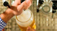 Barley Cargo - beer bar  Πάνω από εκατόν πενήντα μπίρες, ανάμεσά τους και αρκετές ελληνικές, τις οποίες μπορείτε να πιείτε επιτόπου ή να τις αγοράσετε για το σπίτι