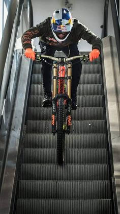 MTB Dating is the dating site for singles with a passion for mountain biking. Shred the mountain bike trails together; Mountain Biking Quotes, Mountain Biking Women, Mountain Bike Trails, Downhill Bike, Mtb Bike, Dh Velo, Moutain Bike, E Skate, Mtb Trails