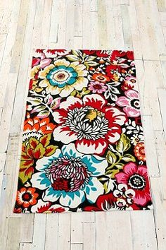 love (and UE has a great selection of affordable rugs!! who knew!)