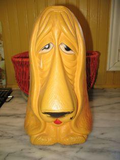 Vintage banque de plastique chien triste des années 70 de (reliable) de la boutique NorDass sur Etsy
