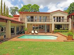 Realty 1 Pretoria - Old East & Lynnwood Pretoria, Real Estate Companies, Property For Sale, Mansions, Bathroom, House Styles, Home, Washroom, Manor Houses
