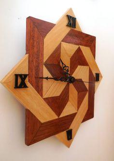 Orologio artigianale in legno merbau e acero di ArtigianalartGeG