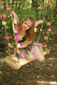 Girl In Fairy Costume Beautiful Little Girls, Cute Little Girls, Beautiful Children, Cute Kids, Fairy Photography, Children Photography, Cute Baby Girl, Cute Babies, Fairy Photoshoot