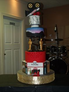 Rebekah's Old Hollywood Sweet 16 Cake My daughter designed this cake for her Old Hollywood themed sweet I have to say that I loved. Hollywood Sweet 16, Hollywood Cake, Hollywood Theme, Old Hollywood, Sweet Sixteen, Sweet 15 Cakes, Red Carpet Theme Party, Hollywood Birthday Parties, Dummy Cake