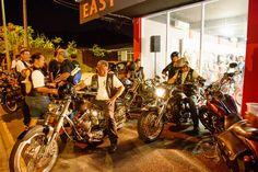"""Tatau, Harley et rock'n'roll ! """"L'idole des jeunes"""" depuis x générations, Johnny Hallyday, en concert pour deux soirées exceptionnelles dans le Pacifique, en Nouvelle-Calédonie et à Tahiti, le 4 mai à To'ata, mobilise rockeurs mais aussi bikers, notamment les fans de Harley Davidson, s..."""