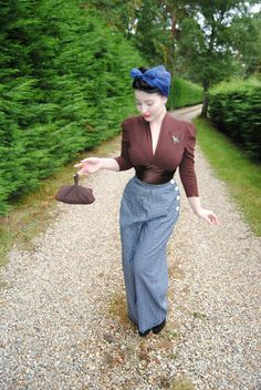 Confessions of a Vintage Hoarder: Poodles and booties - Casual vintage attire