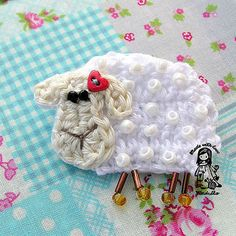 Super cute sheep brooch or applique  ~ free pattern