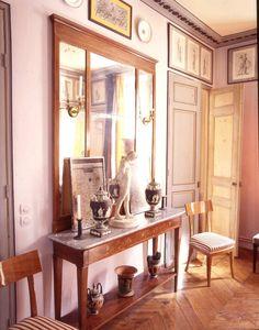 Bruno de Caumont Paris apartment  framing, fascinating