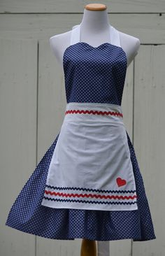 Vintage Inspired I Love Lucy Apron...Ready to by pieshomecreations