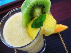 Frullato al melone, kiwi e basilico