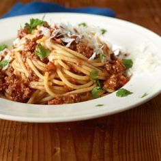 ESSEN & TRINKEN - Spaghetti Bolognese Rezept