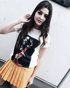 I wish i could meet you Beautiful Celebrities, Most Beautiful Women, Romantic Girl, Hande Ercel, Turkish Beauty, Cute Teen Outfits, Girly Pictures, Cute Beauty, Turkish Actors