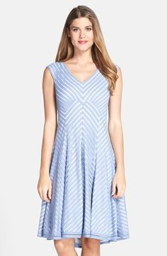 Wore this for my sister's wedding in May.  I loved wearing it. Cool netting between woven chevron stripes