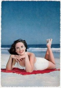 Vintage Swimwear Revisited – 69 Glamorous Postcards Show Women Swimsuits in the and ~ vintage everyday Retro Swimwear, Vintage Swimsuits, Women Swimsuits, Vintage Bikini, Sunny Beach, Summer Beach, Photo Vintage, 50s Vintage, Vintage Style