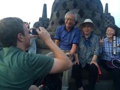 Some tourists asked a stranger for a photo, they didn't realize it's Mark Zuckerberg.