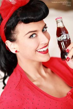 Coco Cola pin up girl! Coke Ad, Pepsi, Always Coca Cola, Rockabilly Fashion, Rockabilly Style, Vintage Girls, Health And Wellbeing, Vintage Hairstyles, Vintage Posters