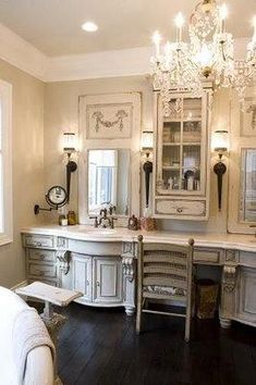 Home and Lifestyle Design: Trumeau Mirror Love Bad Inspiration, Bathroom Inspiration, French Country Style, French Country Decorating, Modern Country, French Decor, Dream Bathrooms, Beautiful Bathrooms, Rustic Bathrooms