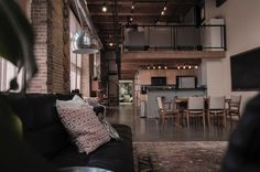 Loft living is a lofty idea for some. What would your adventure look like in loft style living? Living Room Modern, Living Spaces, Cozy Living, Kitchen Living, New Yorker Loft, Loft Stil, Style Loft, Smart Home Automation, Cozy Place