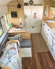 caravan decor 795940934125529887 - What are some challenges you see in raising a family on the road? 🚐 School bus 📷 by fernthebus Source by projectvanlife Van Life, Interior Trailer, Caravan Renovation Diy, Combi Split, School Bus House, School Bus Camper, Tyni House, Kombi Home, Bus Living
