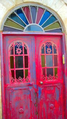 i want to see whats behind this door! Looks so happy..