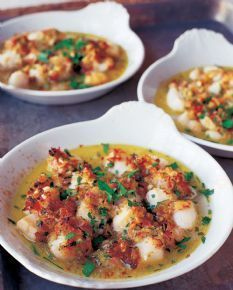 Barefoot Contessa - Recipes - Bay Scallops Gratin. This one of my husbands favorite meals, crusty bread, green salad.