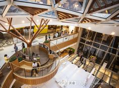 Mall Design, Retail Design, Stairs Architecture, Architecture Design, Shoping Mall, Shopping Mall Interior, Atrium Design, Retail Facade, Hospital Design