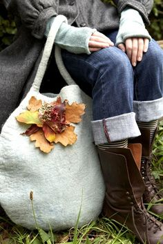 ❥ felted bag w/ autumn leaves