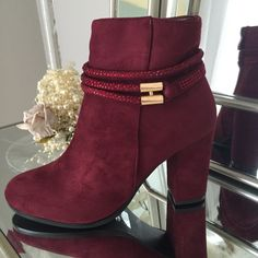 Brenda Wine Glimmer Band Boot Heel With Gold Bar