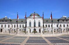 Presidential (Grassalkovich's) Palace in #Bratislava. More on http://bratislava-slovakia.eu/about-bratislava/bratislava-city-parts/old-town