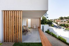 Since 1998 the Web Atlas of Contemporary Architecture Contemporary Architecture, Architecture Details, Modern Cabin Interior, Timber Screens, House Cladding, Screen House, Screened In Patio, Patio Wall, Garden Deco
