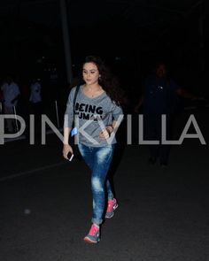 Oh Wow! Sunny leone and Priety Zinta spotted at the Airport | PINKVILLA