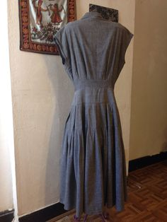 Gorgeous grey dress for a woman about town by closetpurge on Etsy
