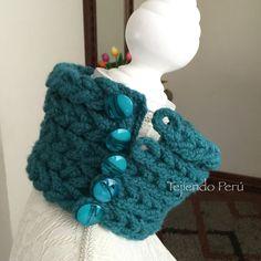 Crochet: cuello que imita el tejido en dos agujas o palitos!  Detalles de los ojales y botones :)
