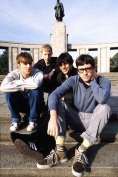 Blur Band, Graham Coxon, Damon Albarn, Weezer, Britpop, Important People, British Men, Him Band, Arctic Monkeys