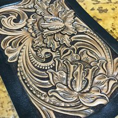 #leathercraft #leathergoods #leathercarving #leatherwork #handmade #handstitch#leathertooling #レザーカービング#レザークラフト