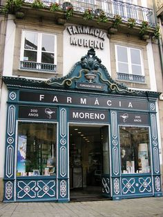 If you are planning to work in Portugal or any of the other countries where Portuguese is spoken then it can only be to your advantage to learn as much of the language as possible. Shop Facade, Vitrine Miniature, Lovely Shop, Shop Fronts, Decoration Design, Beautiful Buildings, Storefront Signs, Store Design, Windows And Doors